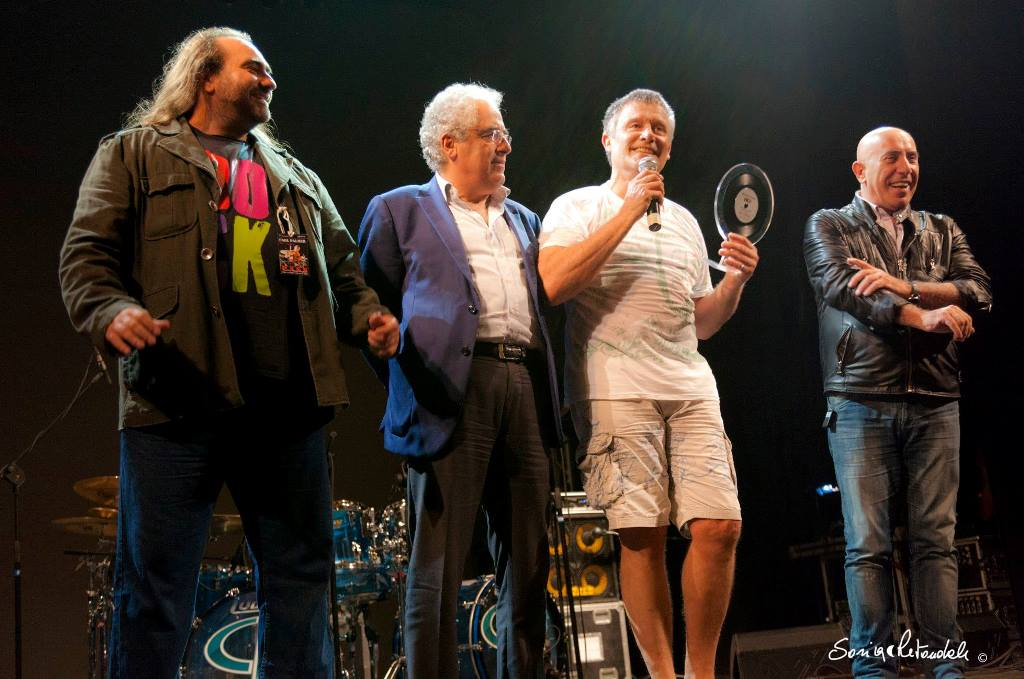 Carl Palmer receives  					award at Afrika Rock Festival. Naples, Italy